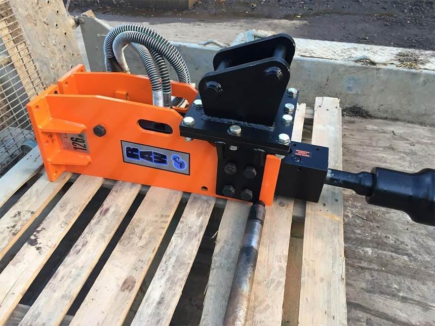 hydraulic breaker post driver